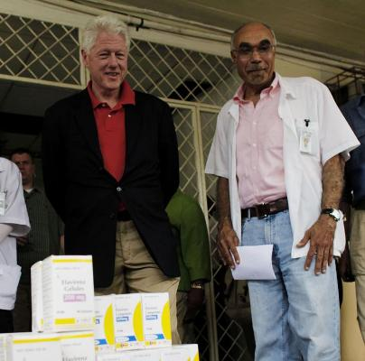 President Clinton brought urgently needed medical supplies to the clinic.